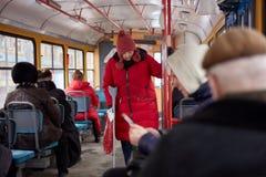 Vrouw gehandicapt in openbaar vervoer Royalty-vrije Stock Fotografie