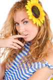 Vrouw in gestreepte vest en zonnebloem Royalty-vrije Stock Afbeeldingen