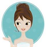 Vrouw in haar badkamers Stock Foto's