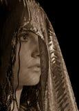 Vrouw in headscarf Stock Afbeeldingen