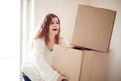 Vrouw het bewegen zich stock afbeelding