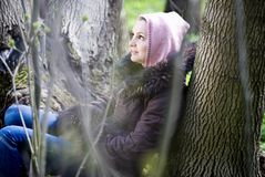 Vrouw in het bos Royalty-vrije Stock Fotografie