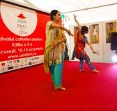 Vrouw het dansen Stock Afbeeldingen
