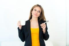 Vrouw het drinken koffie Royalty-vrije Stock Fotografie