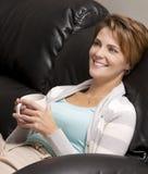 Vrouw het drinken koffie Stock Fotografie