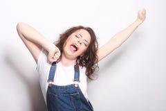 vrouw het gelukkige extatische vieren die een winnaar zijn Royalty-vrije Stock Foto