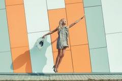 Vrouw het springen Royalty-vrije Stock Foto's