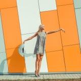 Vrouw het springen Royalty-vrije Stock Afbeeldingen