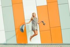 Vrouw het springen Stock Afbeelding