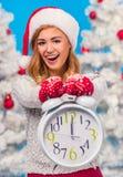 vrouw het vieren Kerstmis Stock Foto's