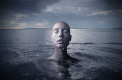 Vrouw in het water Stock Afbeelding
