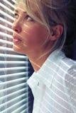 Vrouw in het zonlicht Stock Foto
