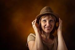 Vrouw in hoed Stock Foto's