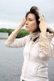 Vrouw in hoofddoek Royalty-vrije Stock Afbeeldingen
