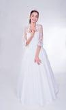 Vrouw in huwelijkskleding Stock Fotografie