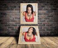 Vrouw in kader wordt opgesloten dat Royalty-vrije Stock Foto
