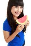 Vrouw klaar om een beet uit watermeloen te nemen Royalty-vrije Stock Afbeelding