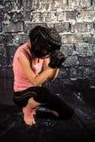 Vrouw klaar te vechten Stock Afbeeldingen