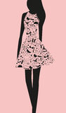 Vrouw in kleding van woorden Royalty-vrije Stock Foto's