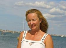 Vrouw in Krim Stock Foto's