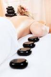 Vrouw in kuuroord dat massage heeft Royalty-vrije Stock Foto