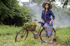 Vrouw in lokaal Thailand Stock Afbeeldingen
