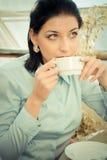 Vrouw in lunchtijd Stock Foto
