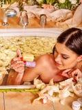 Vrouw in luxury spa Royalty-vrije Stock Foto