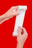Vrouw of Meisjesgreep in Handenbroodje van Document met Gedrukte Ontvangstbewijsspot op Malplaatje Schoon Model Mag in Artikel ov Stock Foto