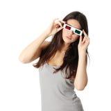 Vrouw met 3d glazen Stock Afbeeldingen