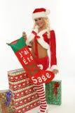 Vrouw met aanwezige Kerstmis Royalty-vrije Stock Afbeelding