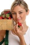 Vrouw met aardbeien Royalty-vrije Stock Afbeelding
