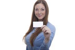 Vrouw met adreskaartje Stock Afbeelding