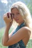 Vrouw met appel stock foto