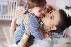 Vrouw met baby stock fotografie