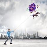 Vrouw met ballons Stock Foto