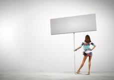 Vrouw met banner Royalty-vrije Stock Foto