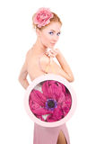 Vrouw met bloem en zak Stock Foto