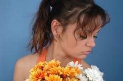 Vrouw met bloemen Royalty-vrije Stock Foto