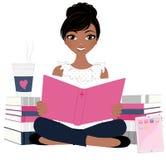 Vrouw met boekstapel stock fotografie