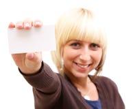 Vrouw met businesscard Stock Foto