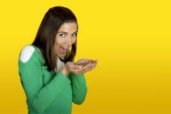 Vrouw met candys Stock Afbeelding