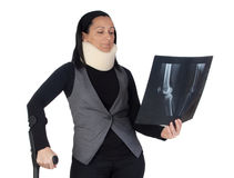 Vrouw met cervicale kraag en radiografie Stock Foto's