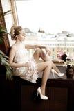 Vrouw met creatieve samenstelling van parels Royalty-vrije Stock Afbeelding
