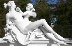 Vrouw met de engel, een beeldhouwwerk Royalty-vrije Stock Foto