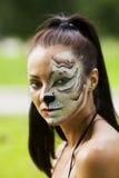 Vrouw met de kunstportret van het tijgeringezicht Royalty-vrije Stock Afbeeldingen