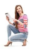 Vrouw met digitale tablet Stock Afbeeldingen