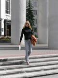 Vrouw met documenten Royalty-vrije Stock Foto