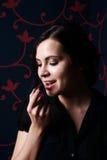 Vrouw met een chocolade royalty-vrije stock foto