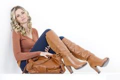 Vrouw met een handtas stock fotografie